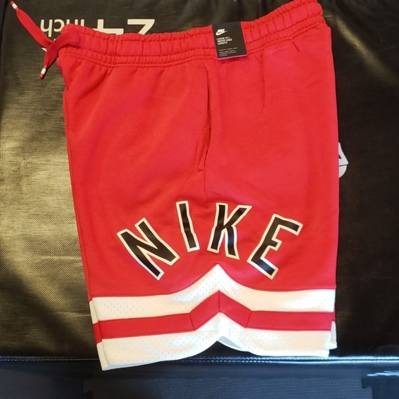 nike shorts knee length
